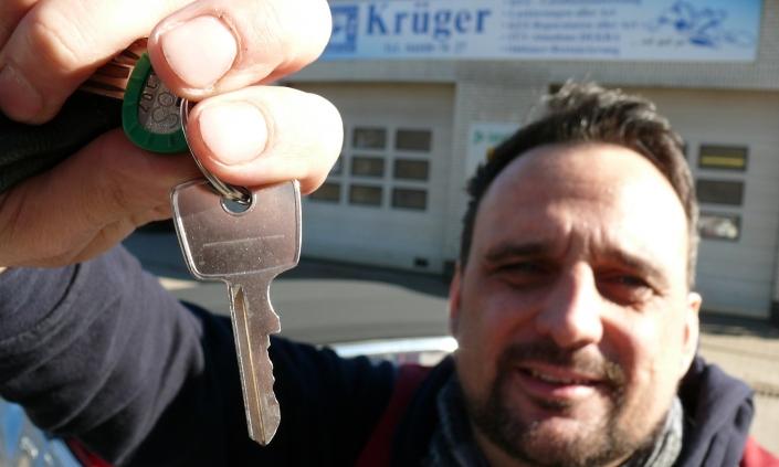 Karosseriebau Krüger Unfallinstandsetzung Autoschlüssel Helge Krüger Rosengarten